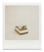 http://www.robinwaart.nl/files/gimgs/th-85_85_022-one-110314-2244-hrs-garden-grove-ca-us-2004-polaroid-one600-ultra-silver-and-black-2004-3751-usd.png