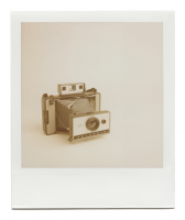 http://www.robinwaart.nl/files/gimgs/th-85_85_038-automatic-110327-1708-hrs-middelburg-nl-1969-1971-polaroid-land-camera-automatic-320-1969-1971-1425-eur.png