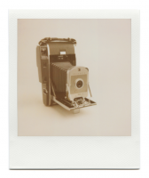 http://www.robinwaart.nl/files/gimgs/th-85_85_066-066a-honderd-110410-2346-hrs-vernon-tx-us-1957-1960-polaroid-land-camera-model-150-without-bc-flash-and-diffuser-1957-1960-3774-usd.png