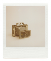 http://www.robinwaart.nl/files/gimgs/th-85_85_101-101a-automatic-070711-0238-hrs-atkinson-il-us-1971-1977-polaroid-automatic-land-camera-420-without-polaroid-focused-flash-1971-1977-3549-usd.png
