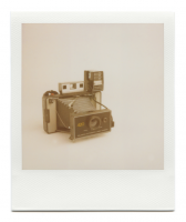 http://www.robinwaart.nl/files/gimgs/th-85_85_102-101b-automatic-070711-0238-hrs-atkinson-il-us-1971-1977-polaroid-automatic-land-camera-420-with-polaroid-focused-flash-1971-1977.png
