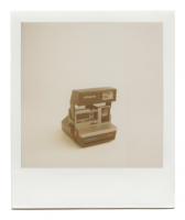 http://www.robinwaart.nl/files/gimgs/th-85_85_105-80s-110710-1233-hrs-amstetten-de-1986-1992-polaroid-supercolor-635-sl-light-management-system-grey-text-in-blue-and-red-1986-1992-1011-eur.png
