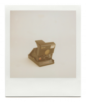 http://www.robinwaart.nl/files/gimgs/th-85_85_106-slr-110710-1435-hrs-amsterdam-nl-1982-1986-polaroid-slr-680-auto-focus-slash-auto-strobe-red-button-rainbow-logo-and-small-letters-meters-1982-1986-10000-eur.png