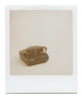 http://www.robinwaart.nl/files/gimgs/th-85_85_131-image-spectra-110818-1251-hrs-great-neck-ny-us-1997--polaroid-spectra-black-red-button-1997--3600-usd.png