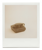 http://www.robinwaart.nl/files/gimgs/th-85_85_132-image-spectra-110826-0302-hrs-great-neck-ny-us-1997--polaroid-spectra-af-black-blue-button-1997--4800-usd.png