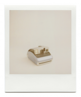 http://www.robinwaart.nl/files/gimgs/th-85_85_134-one-110827-1800-hrs-monmouthshire-uk-2004-polaroid-one600-classic-blue-top-and-grey-bottom-2004-2149-gbp.png